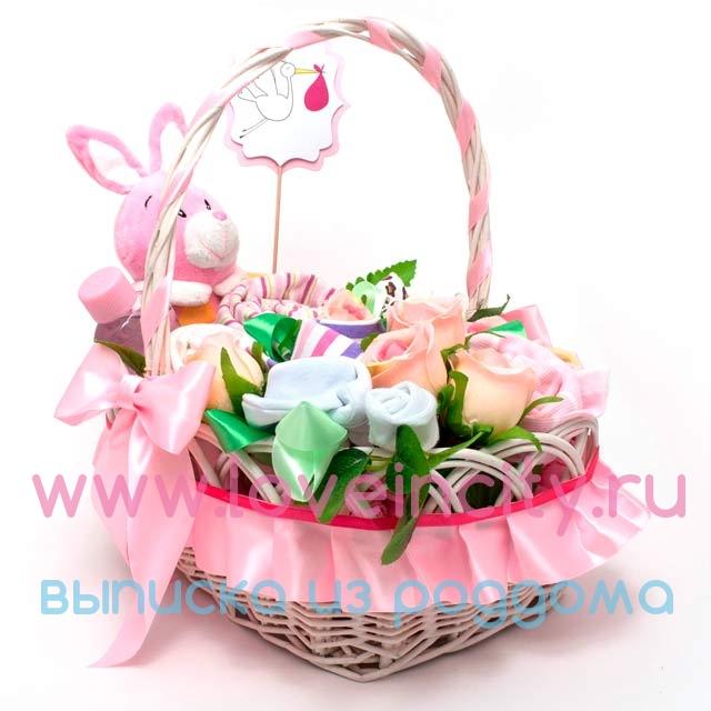Корзина с подарками на рождение 374